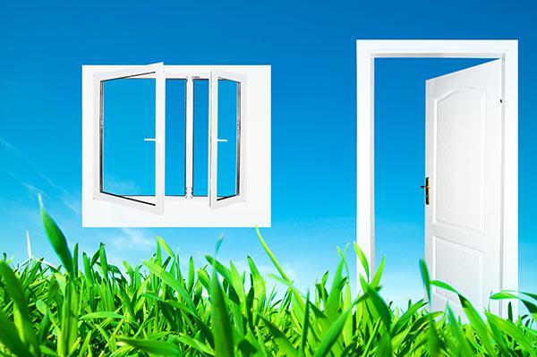 Die richtigen Fenster und Türen für Ihr Haus