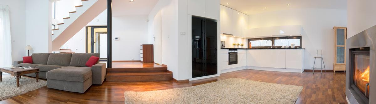 Wohnzimmer-mit-Kamin
