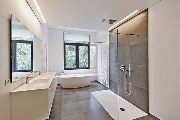zeitgemäße Badezimmergestaltung